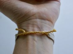 Woven Bracelet : 8 Steps (with Pictures) - Instructables Woven Bracelets, Handmade Bracelets, Straight Weave, Types Of Weaving, Overhand Knot, Daisy Bracelet, Sliding Knot, Macrame Tutorial, Embroidery Needles