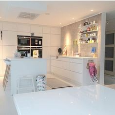 Mano Nordic Interior, Interior Design, Have A Lovely Weekend, Updated Kitchen, Home Reno, Danish Design, Cool Kitchens, Sweet Home, Comfy