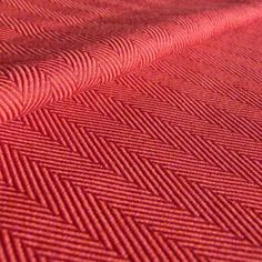 Didymos - Lisca Burgund -- Dark red threads for the warp and orange and cyclamen for the weft -- Material: 100% Organic Cotton -- Surface weight: 190 g/m²