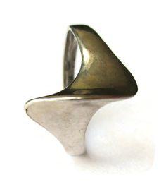 SOLD. Modernist ring, sterling silver 925, vintage Danish mid century modern, Jens Johannes Aagaard Denmark, sculptural abstract 1970s ring. https://www.etsy.com/listing/463101135/modernist-ring-sterling-silver-925