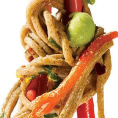 Easy Salad: Sesame Soba Noodles--Salad w/out the lettuce! Full of antioxidants and gluten-free! Soba Recipe, Vegetarian Recipes, Healthy Recipes, Healthy Foods, Veg Recipes, Asian Recipes, Ethnic Recipes, Soba Noodles, Pasta