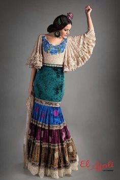 Flamenco Costume, Spanish Dress, Sleeves Designs For Dresses, Spanish Fashion, Mexican Dresses, Mom Dress, Festival Outfits, Alternative Fashion, Designer Dresses
