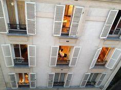 1° riScatto urbano (Parigi) di Poltronaggio. Saranno conteggiati i RT al seguente tweet: https://twitter.com/poltronaggio/status/376811307648839681