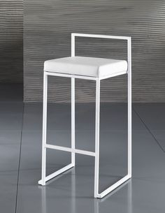 Sgabello Dodo - Per La Cucina - Sgabelli - Tavoli e Sedie Furniture, Home Accents, Stool, Interior, T Home, Bar Stools, Home Decor, Interior Design, Stool Design
