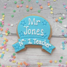 Thank you teacher cookie gift Vanilla Biscuits, Vanilla Cookies, Edible Food, Edible Gifts, Your Teacher, Teacher Gifts, Fondant Icing Sugar, Food Handling, Personalized Cookies