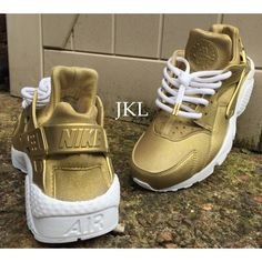 Antique Gold Nike Air Huarache Nike Huarache Golden Antique Gold Nike... ($187) ❤ liked on Polyvore featuring shoes, grey, sneakers & athletic shoes, tie sneakers, unisex adult shoes, gray shoes, waterproof footwear, water proof shoes, grey shoes and waterproof shoes