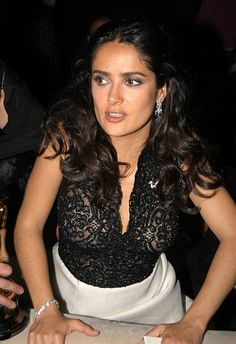 Salma Hayek during Miramax Oscar Party at St Regis Hotel in Hollywood CA United States Salma Hayek Hair, Salma Hayek Young, Salma Hayek Style, Salma Hayek Body, Salma Hayek Pictures, Selma Hayek, Actrices Hollywood, Le Jolie, Brunette Beauty