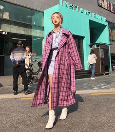 불금 되세요 ✨ Friday Reminder: Love who you are. Respect others Korean Street Fashion, Asian Fashion, Girl Fashion, Fashion Outfits, Fasion, Pink Outfits, Cute Outfits, Summer Outfits, Indie Girl