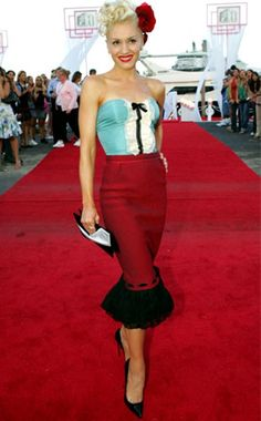 Gwen Stefani in Louis Vuitton. She is always looking gorgeous!