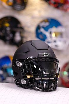Football Gear, Football Helmets, Custom Football, Visors, Athletics, Nfl, Collage, Random, Sports