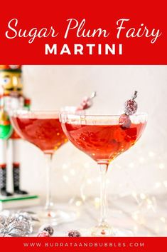 Love festive cocktails? Try this Sugar Plum Martini for your holiday party! This Christmas cocktail takes only a few minutes to whip up, and it's always a crowd pleaser. Everyone will love this holiday martini! #sugarplumfairymartini #festivecocktails #holidaymartinis #nutcrackercocktail #christmascocktails #cranberrychristmascocktail #sugarplumcocktail Italian Cocktails, Festive Cocktails, Fancy Drinks, Cranberry Cocktail, Cocktail And Mocktail, Cocktail Ideas, Christmas Martini, Christmas Cocktails, Christmas Foods