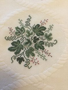 Cross Stitch Rose, Cross Stitch Embroidery, Cross Stitch Patterns, Hand Embroidery Designs, Crochet Stitches, Rust, Sewing Projects, Bouquet, Floral