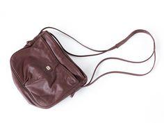 Boho Shoulder Bag | Brown Leather | Cross Body Purse Vintage | 70s 80s Hippie Hipster Festival Bag by DivisionofVintage on Etsy #vintagepurse #boho #festivalbag
