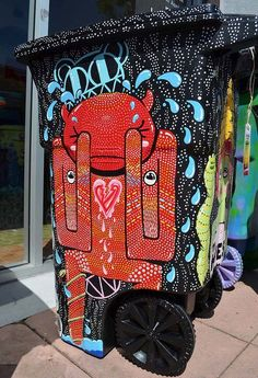 Bin by Warholbot - Designed for Coachella, this one was for Radiohead  -   http://jacoblivengood.tumblr.com + http://jacoblivengood.blogspot.fr. street art 000