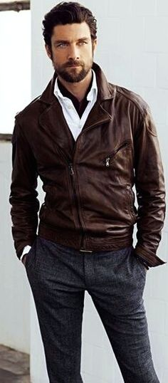 Men's sporty classy style - Leather: sturdy manly look; high profile