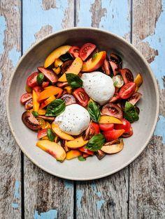 Nectarine Salad, Burrata Salad, Caprese Salad, Burrata Recipe, Creamy Corn, Summer Dishes, Fresh Mozzarella, Great Recipes, Stuffed Peppers