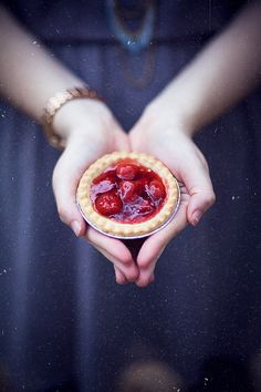mini wedding desserts - So doing this. but with blackberries instead