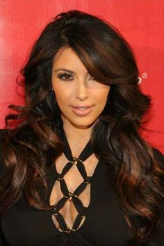 kim-kardashian-long-highlights-wavy-brunette.jpg 380×570 pixels