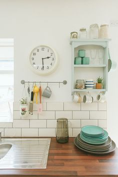 The People Shop owner Allison shares her Victorian style terraced new build in Kings Heath with a pastel pink and grey colour scheme and vintage details. Kitchen Interior, Home Decor Styles, Kitchen Inspirations, House Design, Grey Color Scheme, Cottage Homes, Pastel House, House Interior, Kitchen Prints