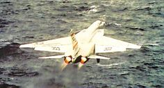 USN Squadron North American Vigilante takes off from the deck of a Carrie. Navy Marine, Marine Corps, Military Jets, Military Aircraft, Naval Aviator, Vigilante, Military Pictures, United States Navy, Planes