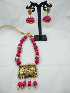 For orders whatsapp to 8754032250 Silk Thread Necklace, Silk Thread Bangles, Thread Jewellery, Indian Jewellery Design, Indian Jewelry, Jewelry Design, Diy Jewelry, Women Jewelry, Jewelry Making
