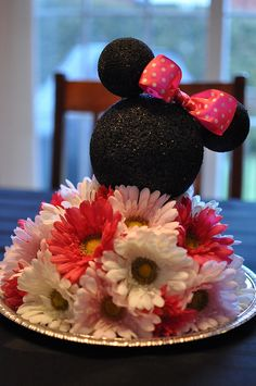 Minnie Mouse centerpiece for a Minnie Mouse Birthday Party Minnie Mouse Theme, Minnie Mouse Baby Shower, Baby Mouse, Minnie Birthday, 2nd Birthday Parties, Birthday Ideas, Festa Party, Mickey Party, Mouse Parties