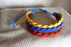Venezuela. Pulsera hecha a mano. Diy Fashion, Fashion Jewelry, Do It Yourself Fashion, Paracord, Friendship Bracelets, Special Gifts, 1 Decembrie, Handmade Jewelry, Jewelry Making