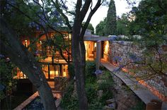 A treetop house on the edge of a cliff in Johannesburg, South Africa