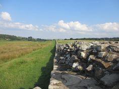 Hadrianswall - voll beeindruckender Rest des jahrtausende Jahre alten Grenzwalls