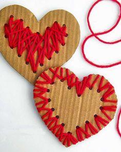 Coeurs à prendre - Les cahiers de Joséphine Valentine's Day Crafts For Kids, Valentine Crafts For Kids, Valentines Diy, Diy For Kids, Holiday Crafts, Valentine Nails, Craft Activities For Kids, Valentine Decorations, Saint Valentin Diy