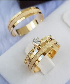 Uloveido Titanium His and Hers Engagement Wedding Bands Ring Set for Him and Her A Pair of Charm Love Forever Anniversary Rings Set for Men Women with Black Gift Bag – Fine Jewelry & Collectibles Stacked Wedding Rings, Beautiful Wedding Rings, Gold Wedding Rings, Wedding Rings For Women, Wedding Bands, Gold Ring Designs, Wedding Ring Designs, Engagement Rings Couple, Couple Rings Gold