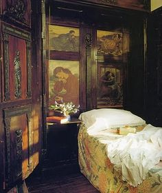 rosebiar:    Another view of The Oak Room (Wightwick Manor) from my picture file…http://medievalmuse-arteffex.blogspot.com
