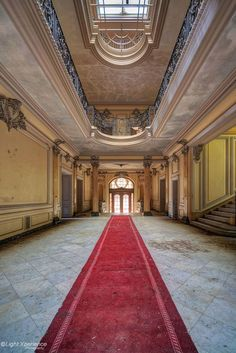 Main hall in Château Lumiere by Marcel  Bellmont on 500px