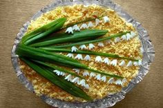 "Russian salad ""Lilies."" Vegetable Decoration, Food Decoration, Food Design, E Design, Salad Presentation, Appetizer Buffet, Iran Food, Food Garnishes, Food Platters"