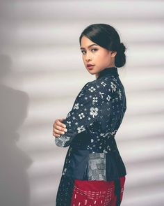 Batik Kebaya, Batik Dress, Model Kebaya Modern, Female Portrait, Side Portrait, Batik Fashion, Insta Photo Ideas, Woman Crush, Girl Face