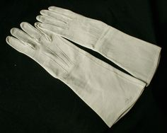Vintage Kid Leather Opera Gloves size 6 1/2 Cream 1950s these and lots more from www.buckinghamvintage.co.uk