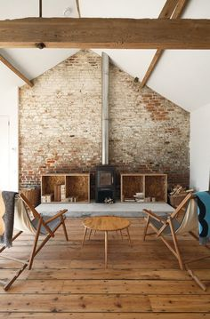 Usually the living room interior of the exposed brick wall is rustic, elegant, and casual. Exposed brick wall will affect the overall look of your house more appreciably. Barn Living, Home And Living, Living Rooms, Simple Living, Natural Living, Living Area, Interior Exterior, Interior Architecture, Brick Interior