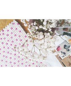 Räätälöity HuopaPalloMatto #kevät #sisustus #sisustusideat #makuuhuone #matto #spring #home #decor #HuopaPalloMatto