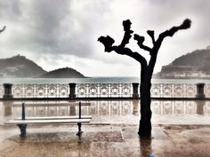 Sisters and the City : San Sebastián, Donostia by Sisters: Lluvia eterna en la city. Basque Country, Art Photography, Spain, Europe, Sunset, Landscape, World, Giveaway, Traveling