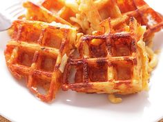 macaroni-and-cheese-waffles-fun lunch idea, too