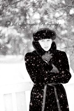 Free Sparkly Snow Overlays to add in Photoshop or elements.  They work great on Black and White, too!