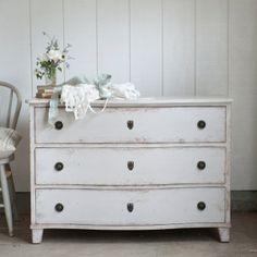 Rachel Ashwell Shabby Chic Couture - Dalton Dresser