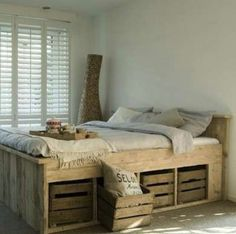 Rustic bed with crate storage - 50 Decorative Rustic Storage Projects For a Beautifully Organized Home Pallett Bed, Pallet Bedframe, Wooden Pallet Beds, Diy Pallet Bed, Pallet Furniture, Pallet Ideas, Furniture Plans, Pallet Wood, Pallet Projects