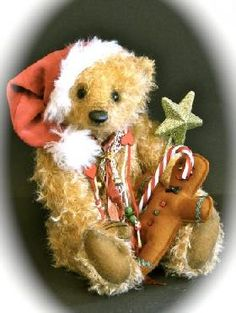 Beautiful Christmas Bear // Photo via web....