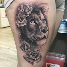 Lion tattoo designs for women © Tattoo Studio Indigenous Ink - Ruth Fer. Tattoo inspiration - diy tattoos - Leo tattoo designs for women tattoo studio indigenous ink ruth fer. Tattoo Model Female, Female Lion Tattoo, Model Tattoo, Lion Woman Tattoo, Lion Thigh Tattoo, Lion Back Tattoo, Leo Tattoos, Body Art Tattoos, Sleeve Tattoos