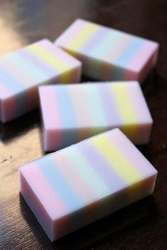 ストライプデザインソープをより美しくカットするには 新潟 手作り石鹸の作り方教室 アロマセラピーのやさしい時間