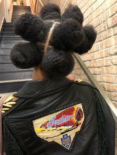 """""""I don't know what to do with my hair :("""" Black Girls Hairstyles, African Hairstyles, Afro Hairstyles, Curly Hair Styles, Natural Hair Styles, Coily Hair, Hair Reference, Vogue, Black Girl Aesthetic"""