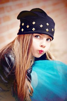 In case you haven't noticed. We kinda 💗 the kissy face around here! Kissy Face, Duck Face, Little Girl Fashion, Girls Accessories, Beautiful Babies, Little Girls, Dressing, Beanie, Celebs