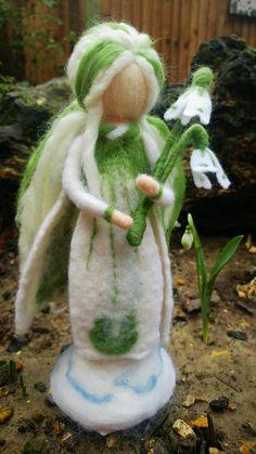 Fairy by TallisMoonStudios Fuzzy Felt, Wool Felt, Wet Felting, Needle Felting, Diy Laine, Felt Angel, Felt Fairy, Tiny Dolls, Nature Crafts