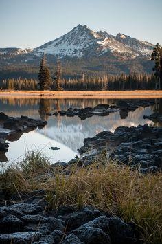 Sunrise at Sparks Lake Oregon USA // Jeff Carlson